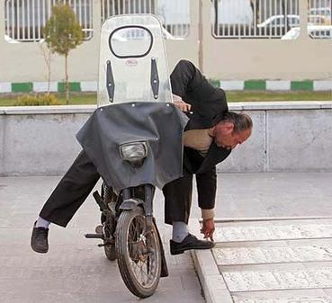 عکس هایی بسیار خنده دار از تنبل ترین آدم های جهان