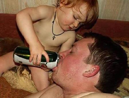 www.parsnaz.ir - عکس هایی بسیار خنده دار از تنبل ترین آدم های جهان