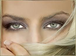 10 زن با زیباترین چشمان جهان