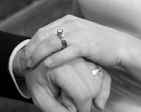 عقد یک زوج برای هشتادمین بار + عکس