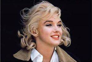 www.parsnaz.ir - زیبایی دختر یتیم او را به اوج شهرت رساند + عکس