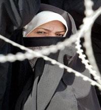 اجبار زنان عراقی به بردگی جنسی!!