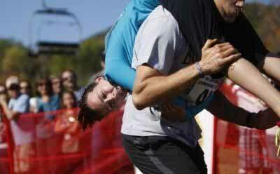 رقابت های حمل همسر در آمریكای شمالی + عکس