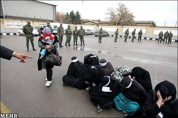 دختران و زنان ارازل اوباش دستگیر شدند + گزارش تصویری