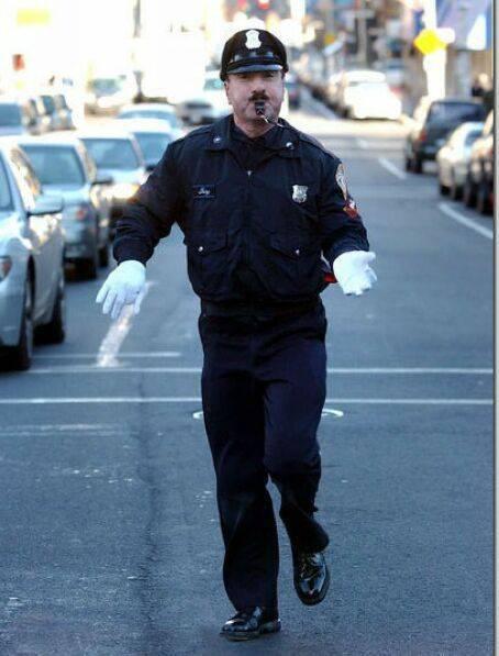 عجیب ترین پلیس جهان ،پلیس رقاص + عکس