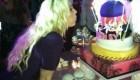 عکس بریتنی اسپیرز در حال فوت کردن شمع کیک تولدش