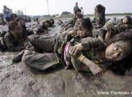 عکس های تمرینات وحشتناک نظامی دختران