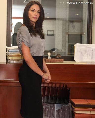 کارمند زنی که از بانک به دلیل زیبایی اخراج شد + عکس