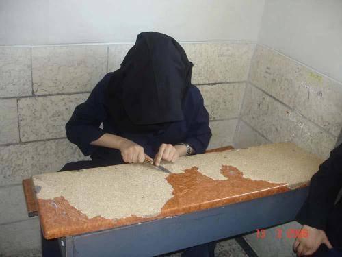 عکسی جالب از دبیرستان دخترانه در ایران