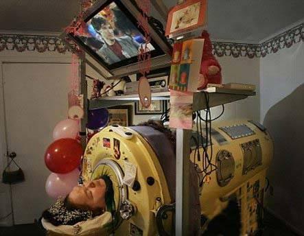 زنی که 60 سال خوابیده زندگی کرد + عکس