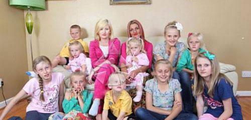 عکس هایی از یک مادر مجرد به همراه 14 فرزندش