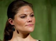 تبرئه شدن 1 زن نژاد پرست سوئدی در دادگاه + عکس