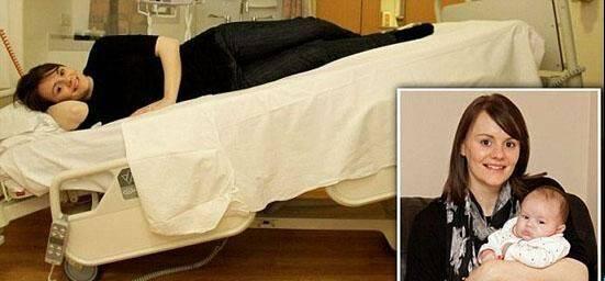 فداکاری باور نکردنی زنی برای تولد فرزند خود!! + عکس