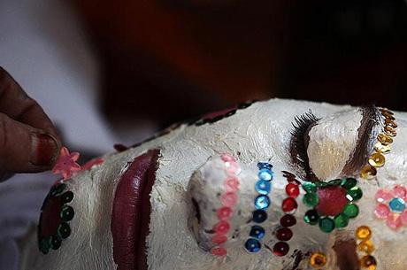 آرایش عجیب دختر مسلمان بلغاری برای عروسی + عکس