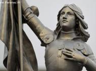 دختر فرانسوی که به خاطر عقایدش زنده زنده سوزانده شد