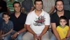 پژمان بازغی در کنار دختر , پدر و برادرش!! + عکس