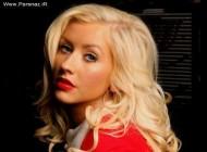 انتقاد خواننده مشهور زن از ماموران پلیس آمریکا + عکس