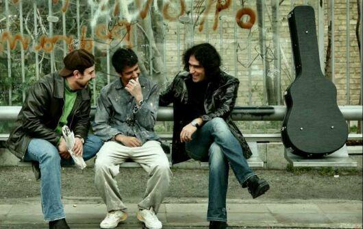 بازیگران در ایستگاه اتوبوس + عکس