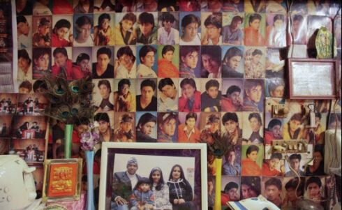 علاقه شدید یک مرد هندی به شاهرخ خان + عکس