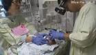 كوچكترین بچه جهان از بیمارستان مرخص شد! + عکس