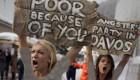 اقدام 3 زن برهنه در اعتراض به سیاستهای اقتصادی + عکس