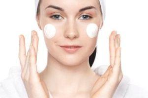 نکات مهم و طلایی برای پوست های خشک