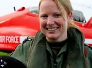 استرس اولین زن خلبان موشکهای سرخ هنگام پرواز + عکس