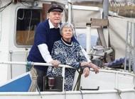 این زوج ماجراجو دور جهان را با قایقشان گشته اند + عکس