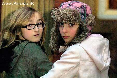 اخراج دو دختر نوجوان از موزه هنر در کشور انگلستان + عکس
