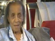اشک های این زن 101 ساله ناتوان برای اخراج از خانه اش