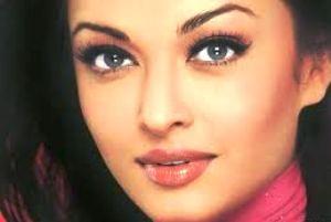 زیباترین زن هندوستان باردار شد  (عکس)