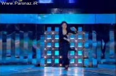 www.parsnaz.ir - هیفا وهبی خواننده زیبا در اجرای کنسرت بر روی زمین خورد