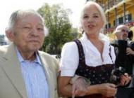 میلیاردر مشهور 94 ساله برای پنجمین بار ازدواج کرد + عکس