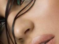 با سایه های جذاب، چشمان خود را خیره کننده و زیبا بسازید