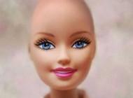معروفترین عروسک بلوند دنیا در شیمی درمانی + عکس