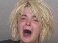 دستگیر شدن این زن 35 ساله که در مکان عمومی عریان شد
