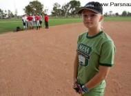 این دختر با عضویت در تیم بیسبال پسرانه خبرساز شد +عکس
