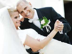 تاثير فاصله سني در ازدواج