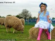 این دختر عجیب قصد دارد گوسفندهای فوتبالیست پرورش دهد