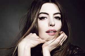 بازیگر زن مشهور هالیوود بر روی کاور مجله Allure + عکس