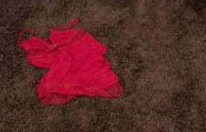 www.parsnaz.ir - نقش مهم لباس زیر در تحریک شدن جنسی