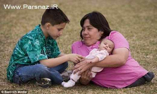 این خانم 39 ساله کوتاهترین مادر در دنیا است + عکس