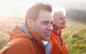 آیا ازدواج مردان جوان با زنان مسن خوب است یا بد؟