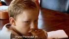 پسر عجیبی که باید خوراکی ها را از او پنهان کرد (عکس)