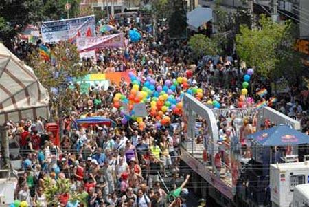 بزرگترین مرکز همجنس بازان جهان (عکس)