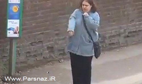 رقاصی این خانم جوان در ایستگاه اتوبوس (عکس)