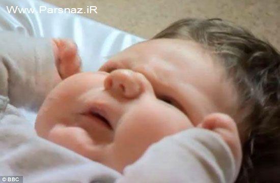 مادری که از تولد نوزاد عجیبش متحیر شد!! (عکس)