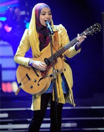 دیسکو عجیب در ترکیه با خوانندگی خانم با حجاب (عکس)