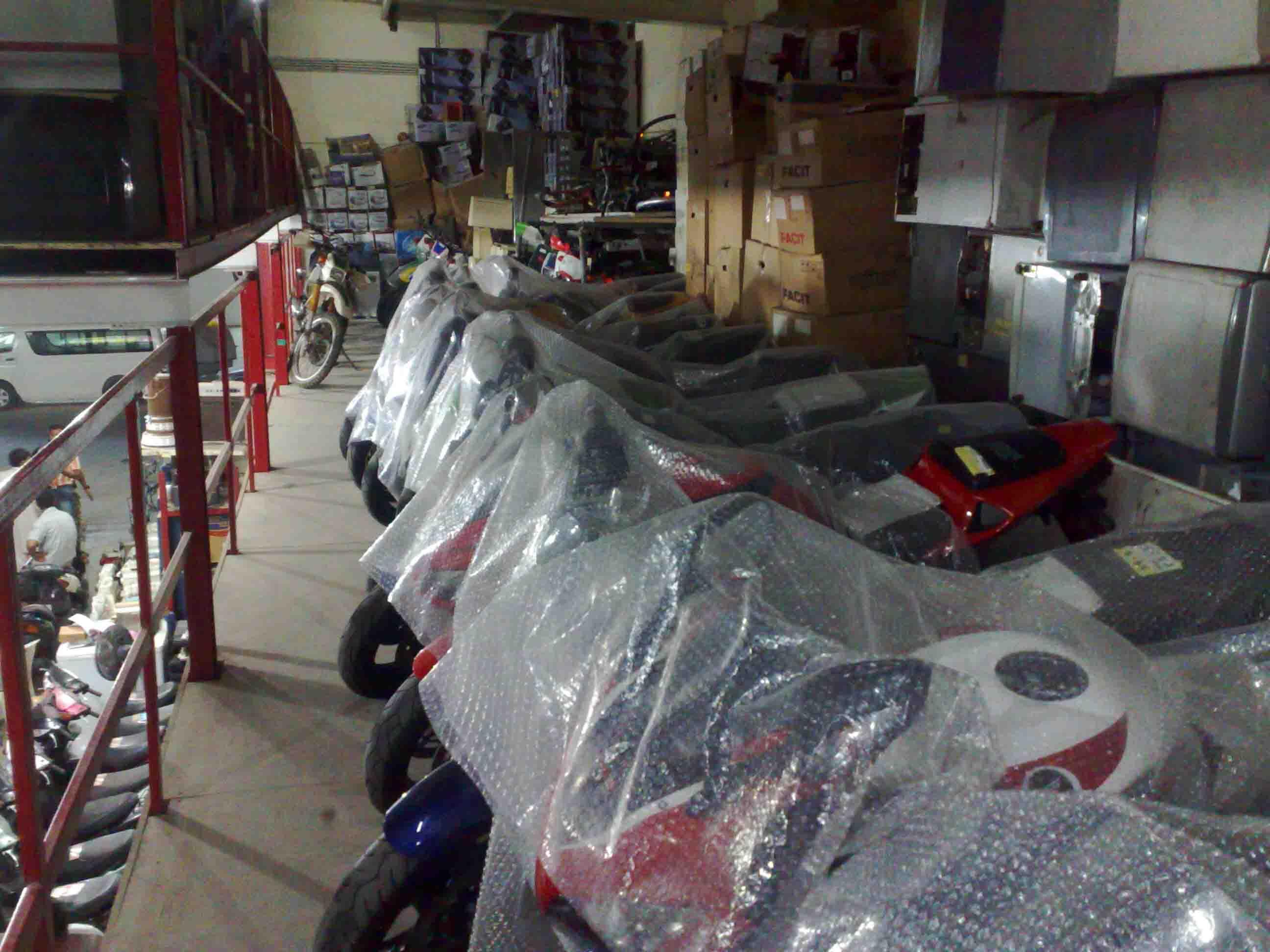 فروشگاه موتور سنگین در امارات متحده عربی..(تصاویر)