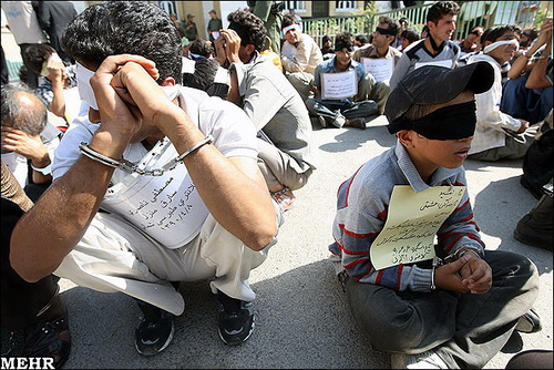 دستگیری یک کودک سارق (+عکس)